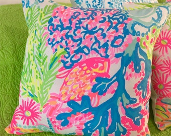 New Pillow Made with Lilly Pulitzer Lovers Coral fabric, 2 sizes available