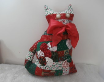 PATCHWORK CHRISTMAS CAT  Yoyo Trim Big Red Neck Bow Ooak Cat Pillow 20% off coupon Early Christmas