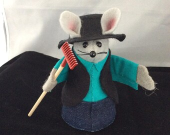 Amish Mouse with a Rake