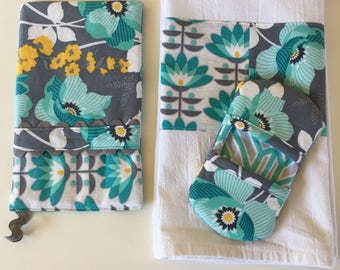 Oven Mitt - Kitchen Towel - Fingertip Mitt in Mint Florals and Atrium