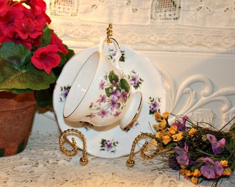Soy Wax Tea Cup Candle,Vintage Royal Dover,Violets,Weddings,Bridal Shower,Tea Party,Gifts,Collectible,Homemade Hand Poured,YOUR SCENT CHOICE