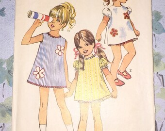 Simplicity 8618 Dress Vintage 1970s Sewing Pattern Childs Size 2 Breast 21