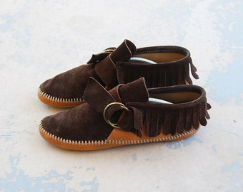 vintage 60s Moccasins - 1960s Boho Native American Moccasins Two Tone Belted Leather Moccasins Sz 9 40