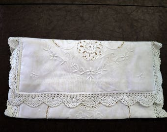 Vintage White Lace Clutch Purse - Bride, Wedding - Embroidery, Crochet - Spring