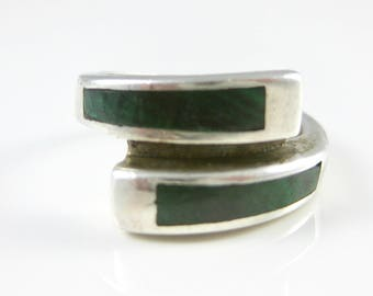 Size 6 1/4  Vintage Oval Green Malachite Sterling Silver Ring