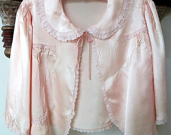 Peach Satin Bed Jacket 1930s 1940s Vintage Lace Trim Hand Sewn Evening Wrap Boho Gypsy Glam