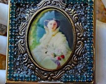 Victorian Cameo Double Mirror Compact with Teal Rhinestones