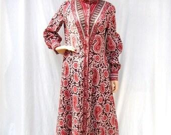 ON SALE 70s Batik Maxi Dress size Medium Tall