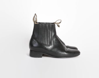 Vintage 80s CHELSEA BOOTS / 1980s Black Leather Ankle Booties 7