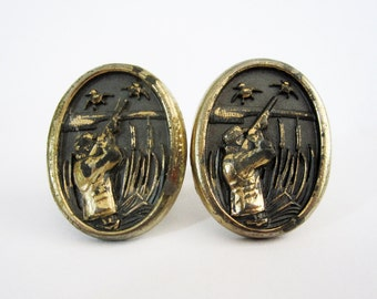 Vintage Cuff Links with Duck Hunting Scene in Brass Finish. Circa 1960's.