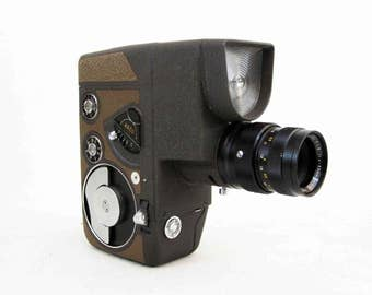 Vintage Arco Eight 8mm Movie Camera with Case. Made in Japan. Circa 1950's.