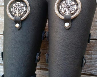 Oiled Black Bracer Pair Armor Ren Faire SCA w Circle of Skulls concho and Primitive Antiqued Silver Ring