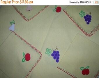 SALE- Vintage Hand Appliqued Tablecloth and Napkins Set