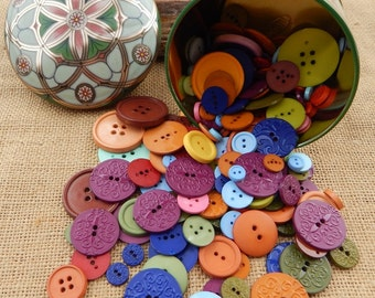 218 New Plastic Buttons in Decorative Tin  ~  Bold Colors Plastic Buttons in Tin  ~  Large Lot of Plastic Buttons  ~  218 Embossed Buttons