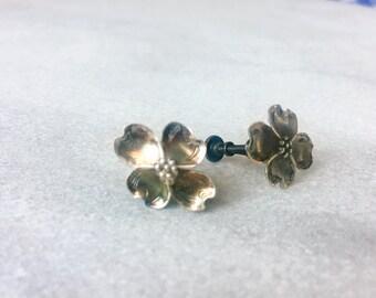 Dogwood sterling silver Nye earrings