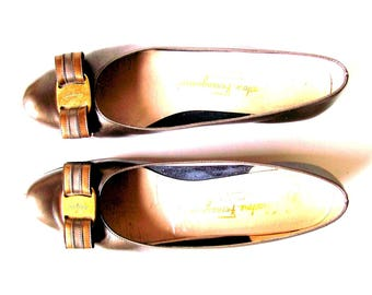 Vintage Salvatore Ferragamo Vara Bow Bronze Pumps // Size 8 AAA Extra Narrow // Need Repair