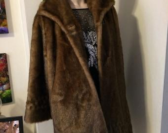 SALE Vintage Old Hollywood Brown Mink Faux Fur Portrait collar soft Winter  3/4 Stroller Coat size  Large