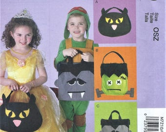 UNCUT McCall's Craft Pattern M7210 - Halloween Treat Bags - Bat, Frankenstein, Dracula Size OSZ (One Size Fits All)