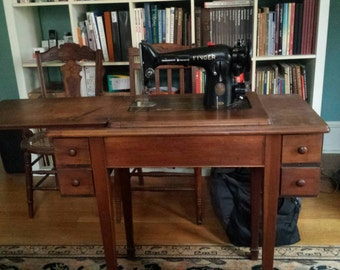 Vintage Singer Sewing Machine, Table Sewing Machine, pick up only