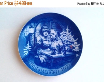 ON SALE Vintage 1971 Weihnachten Bareuther Porcelain Christmas Plate