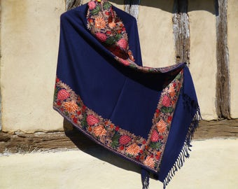 """Gorgeous embroidered Dark Blue Floral Stole. Luxurious shawl. Pure wool. 80 x 20"""". Kashmir."""