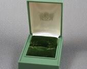Vintage Celluloid Plastic Green Alsten Velvet Lined Ring Box