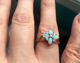 Opal Diamond Ring - 9k Gold - Wedding Jewelry - Vintage