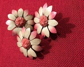 Set of Four Vintage Curtain/Drapery Metal/Plastic Pin Backs . Push Pins . Thumb Tacks . Decorative Tacks . Flowers . Pink & Ivory. Art Tacks