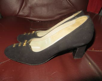 Vintage 1960S Spectrums Selby Shoes Pumps BLACK  suede leather gold bows designs  size..5