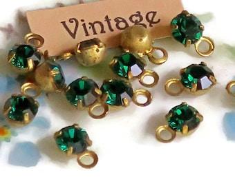 Vintage Swarovski Drops, Rhinestones Drops, Emerald Drops,4.5mm drops,round Prong Pronged Setting Dangles NOS Green #1419R