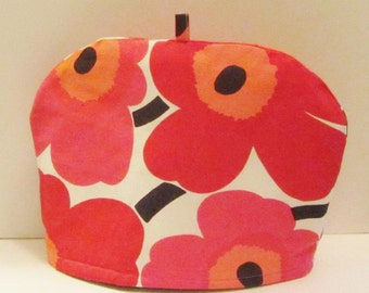 Marimekko tea pot cozy in Pieni Unikko for medium size teapot, designed by Maija Isola , authentic fabric from Finland
