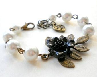 Flower Girl Gift Junior Bridesmaid Jewelry Flower Girl Bracelet Black and White Wedding Jewelry Little Girl Bracelet Pearl and Flower