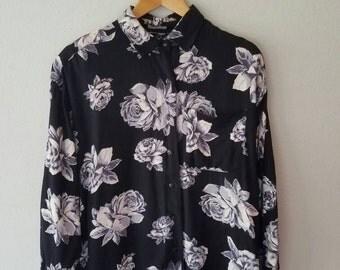 SALE Vintage 1993 Rose Print COMFY Slouchy Fit Button Up (s-m)