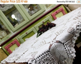 DAMAGED Crocheted Table Topper in White Filet Crochet - Small Tablecloth - 11487