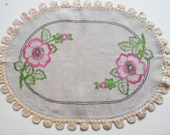 Vintage Linen Runner Ecru Embroidered Roses Crochet Trim