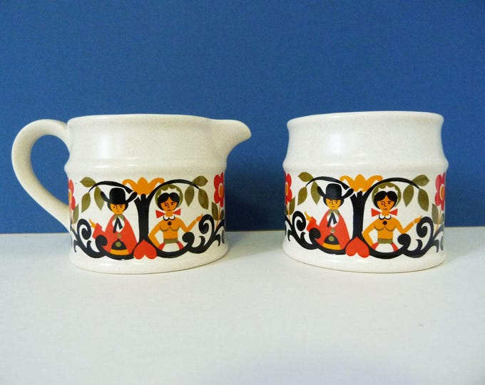 Miilk jug & sugar bowl from Sadler England vintage Folk art