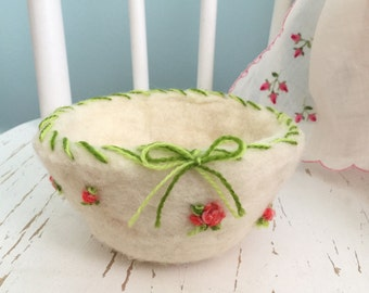 Felted Wool Bowl with Embroidered Pink Tea Roses / Unique Felt Jewelry Dish / Felted Wool Vessel / Felted Fiber Art Basket / Wool Fiber Art