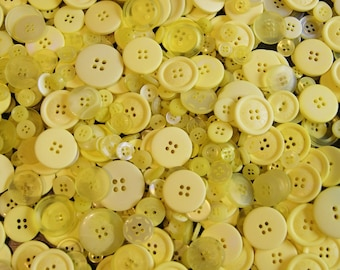 25 Yellow Button Mix Assorted Sizes, Sewing, Crafting, Jewelry Collect (1396)