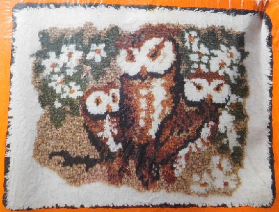 Family Of Owls Vintage 1970s American Family Crafts Latch