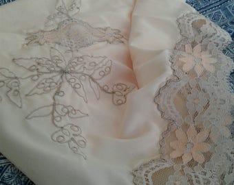 60s SATINETTE—Unworn with Tag—Ivory Half Slip w/ Floral Embellishment—Peach Flowers at Lacy Hem—Size M