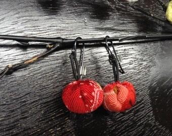 hanamaru earrings red