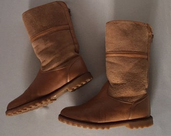 30% OFF WINTER SALE... toffe brown leather and suede boots   canadian shearling boots   8.5