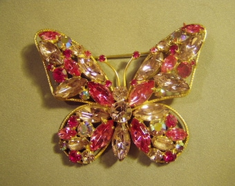 Vintage Rhinestone Lg Butterfly Pin Brooch Pink Lavender Aurora Borealis Stones 8950