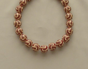 Sale - Vintage 1930's ROYAL Carved Catalin Bakelite Brown Bead Choker Necklace - RARE piece