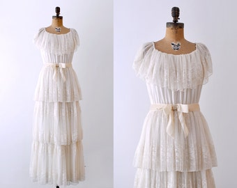 1970's wedding dress. bohemian. 70's lace wedding gown. ruffled. boho. cream. m