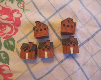 wee tiny resin houses