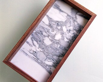 Marble and wood tray - Calacatta - Spotted Gum - 32.5cm x 17cm x 4cm
