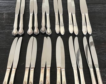 24 mixed vintage silver plated dinner knives, silverware 12 pairs