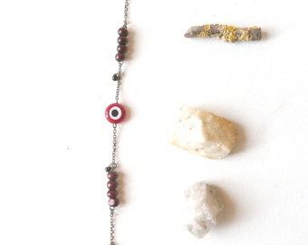 Evil eye bracelet protection ( red and wood, magic, curse ) 01