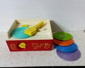 Vintage Fisher Price Music Box Record Player With 5 Records Works!